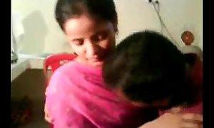 Amateur Indian Nisha Enjoying With The brush Big wheel - Free Tolerate Sex - sex goo.gl/sQKIkh