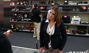 Strapped ass MILF sells her cunt in the pawnshop earning over again